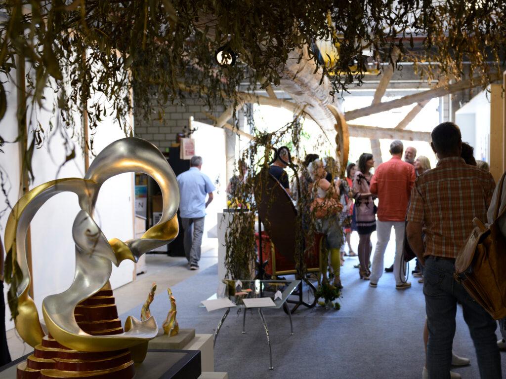 StammBaumStamm belebt von Besuchern der Ausstellung